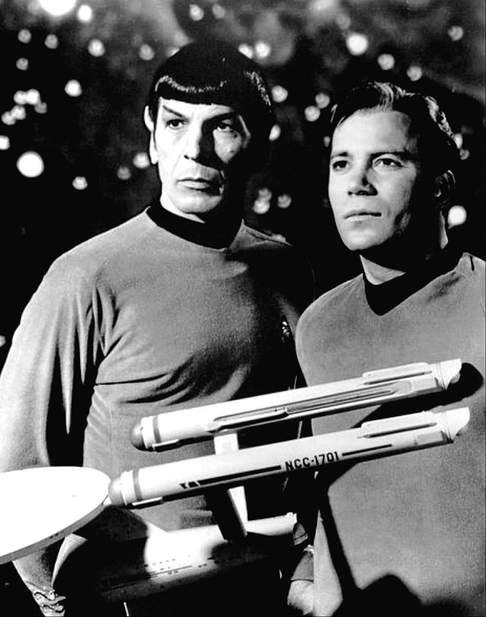710px-leonard_nimoy_william_shatner_star_trek_1968